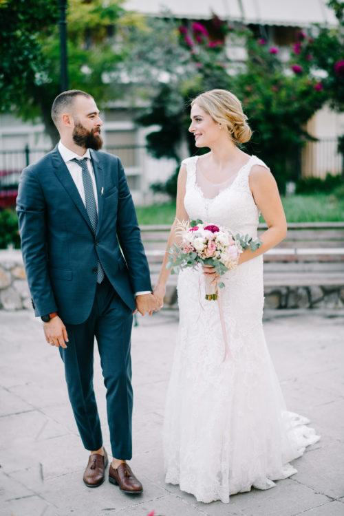 φωτογραφία γάμου - Spring wedding bride and groom photographed by Authentic Weddings Greece.